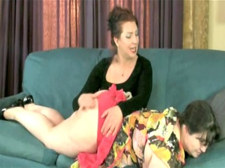 chunky brunette acquires her big ass