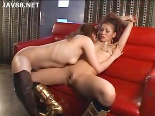 two asian angels kiss and eat cum-hole and use a